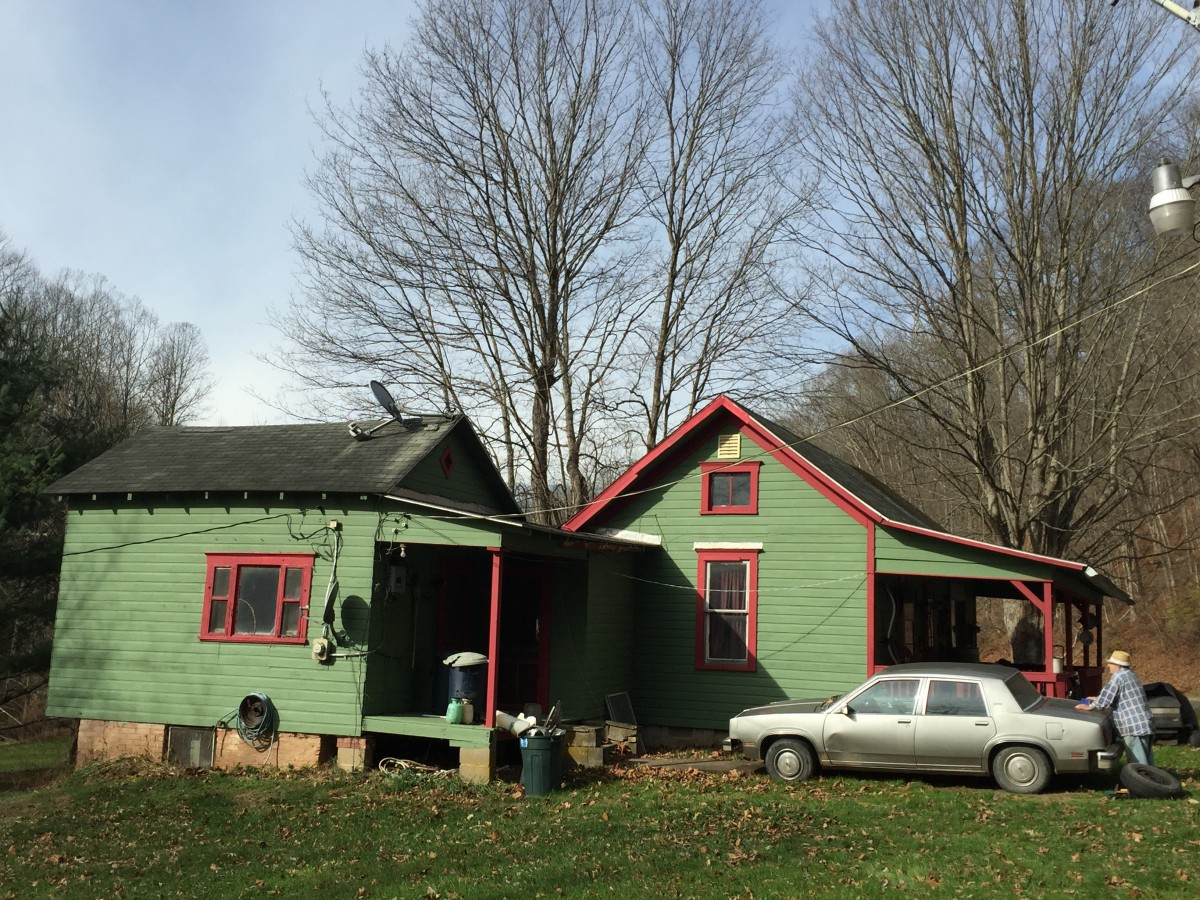 "Pete's house was repainted red and green to look like an ""old-timey Christmas home"""